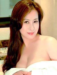 Asian woman Yanmei from Fushun, China