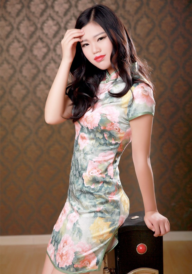 Single girl Siyu 22 years old