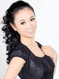 Asian woman Yanmin from Zhuhai, China