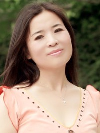 Asian woman Yandong from Zhuhai, China
