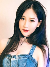 Asian woman YuHong (Katherine) from Zhengzhou, China