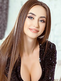 Russian woman Victoria from Mirnograd, Ukraine