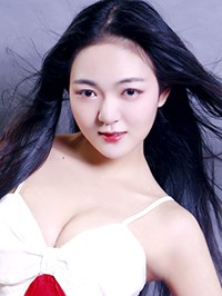 Asian woman Ling from Changsha, China