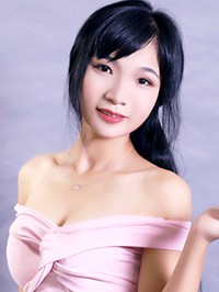 Asian woman Yan from Changsha, China