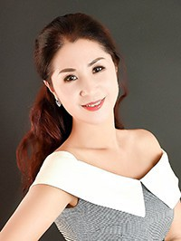 Single Chunyan from Dandong, China