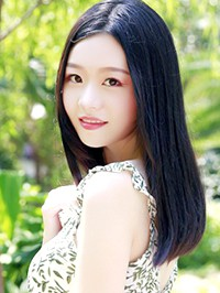 Asian woman Shihua from Changsha, China