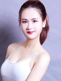 Asian single woman Lirong from Changsha, China