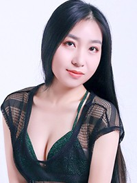Asian woman Dan from Changsha, China