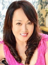 Asian woman Hong (Lily) from Chendu, China