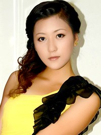 Asian woman Yixin from Fushun, China