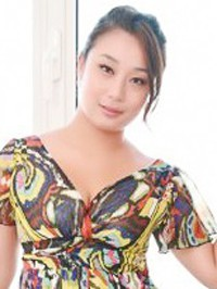 Asian woman Yuanyuan from Liaoyang, China