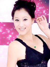 Asian woman Shan from Shenyang, China