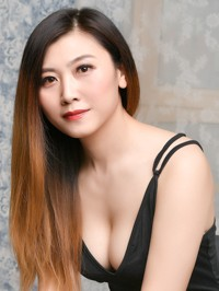 Asian woman Ting (Linda) from Shenyang, China