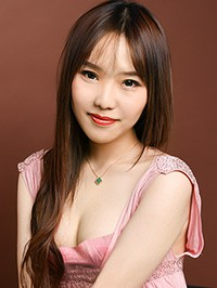 Asian woman Yujing (Eva) from Shenyang, China