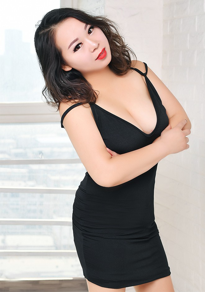 Single girl Xiang (Anne) 34 years old