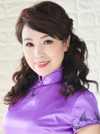 Asian woman Hua (Cassie) from Shenyang, China