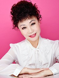 Single Lijun (Lucy) from Shenyang, China
