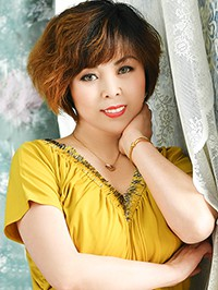 Single Yujuan (Yilia) from Shenyang, China