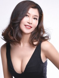 Single Yingqiu (Liz) from Fuxin, China