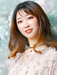 Single Xiaoqing (Icey) from Shenyang, China