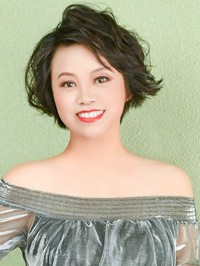 Single Yan (Ingrid) from Shenyang, China