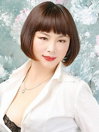 Asian woman Xue (Fannie) from Shenyang, China
