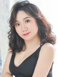 Single lvyin (Julie) from Shenyang, China