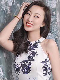 Asian woman Sijia (Ingrid) from Fuxin, China