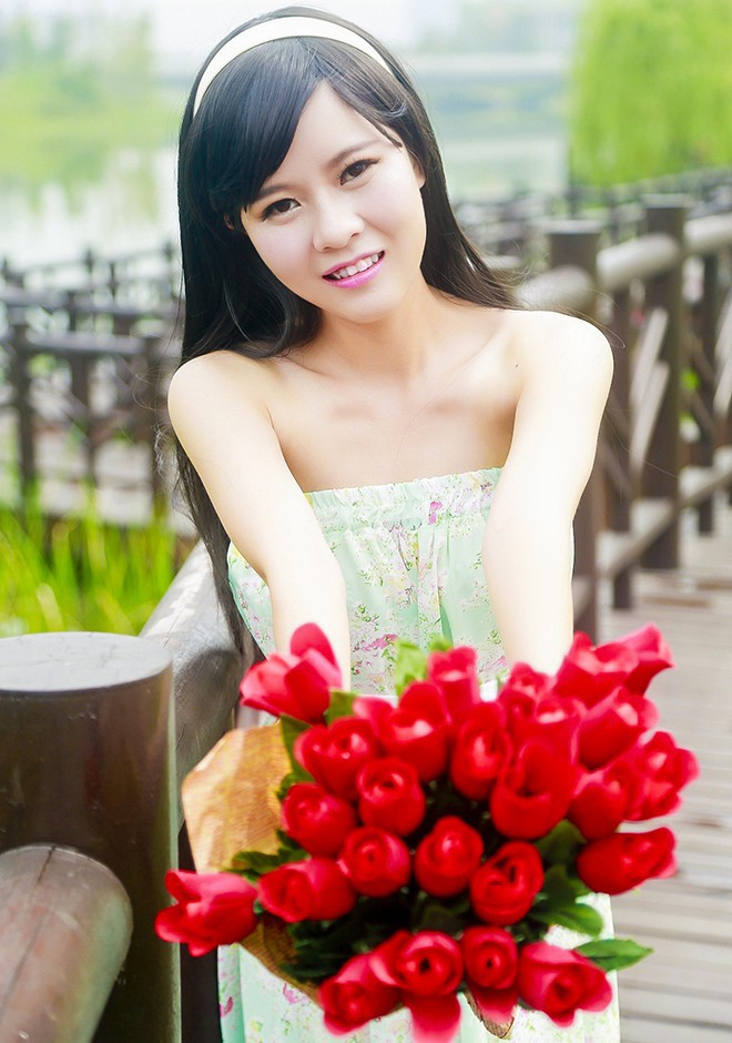 Single girl Qun (Lily) 27 years old