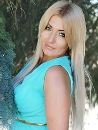 Russian Bride Alena from Odessa, Ukraine
