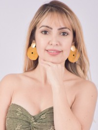 Single Jolibeth from Medellín, Colombia