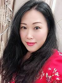 Asian woman Cuimin from Huizhou, China
