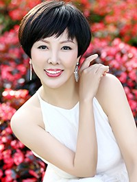 Russian woman Jun (Echo) from Shenzhen, China