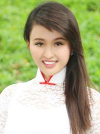 Asian woman Hoang (Eva) from Ho Chi Minh City, Vietnam