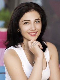 Single Valentina from Mangush, Ukraine