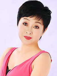 Asian woman Lijun (Mary) from Kaiyuan, China