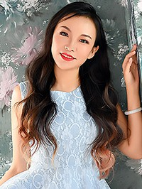 Single Meiyue (Sophie) from Shenyang, China
