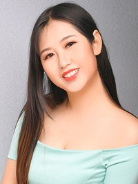 Single Xiaojie (Daisy) from Shenyang, China