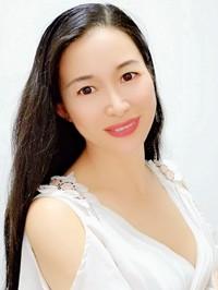 Asian woman Mei from Nanning, China