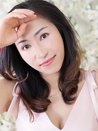 Asian woman Fang from Yulin, China