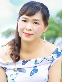 Single Wenli (Rebekah) from Nanning, China