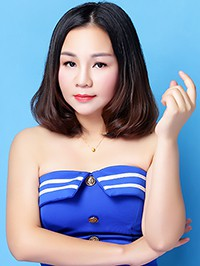 Asian woman Chunliu (Yolande) from Nanning, China