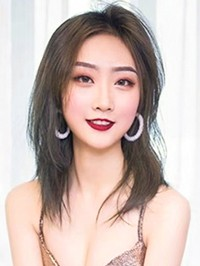Asian Bride Chen from Yuncheng, China