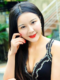 Single Yuanyuan (Winnie) from Henan, China
