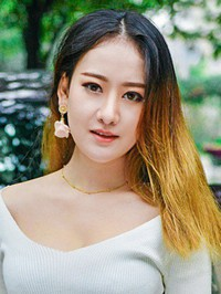 Single Jiaxin (Jenny) from Guangzhou, China