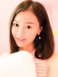 Asian woman Lusi from Nanning, China